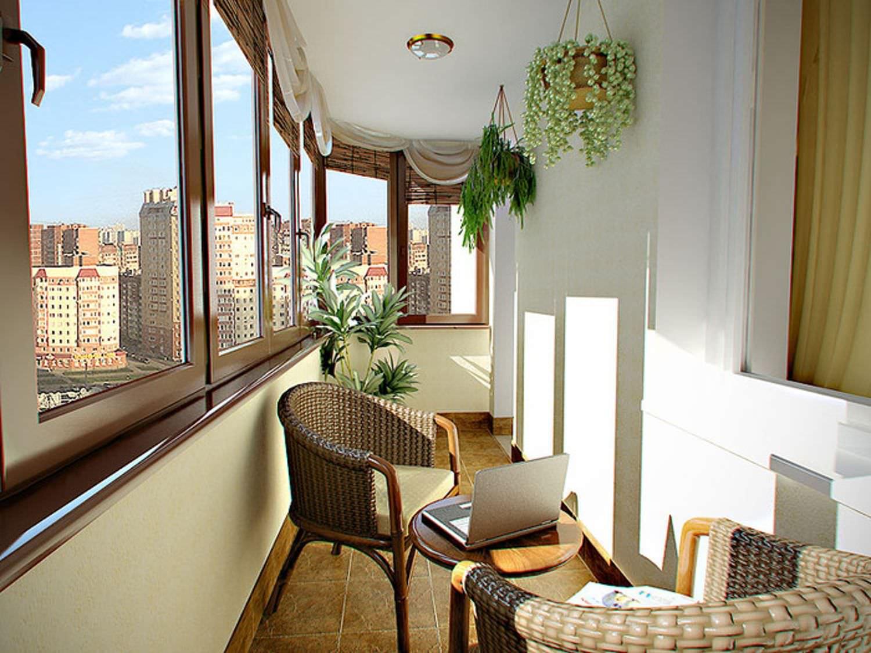Интерьер балкона длиной 6 м с 2 выходами на балкон.