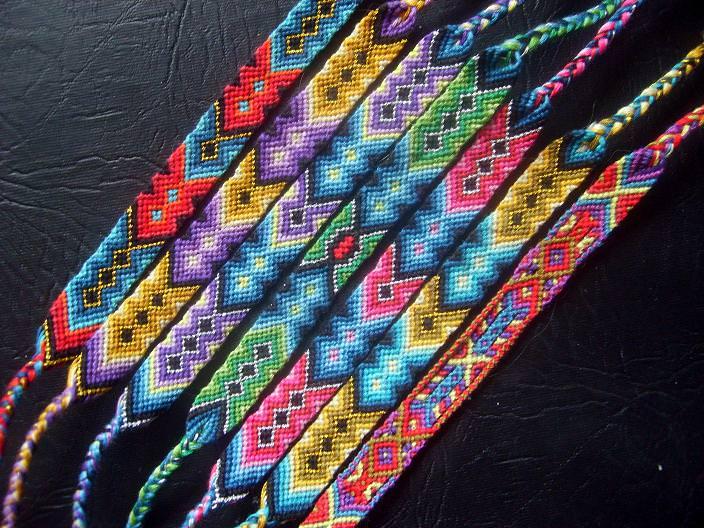 Браслеты из ниток мулине прямое плетение